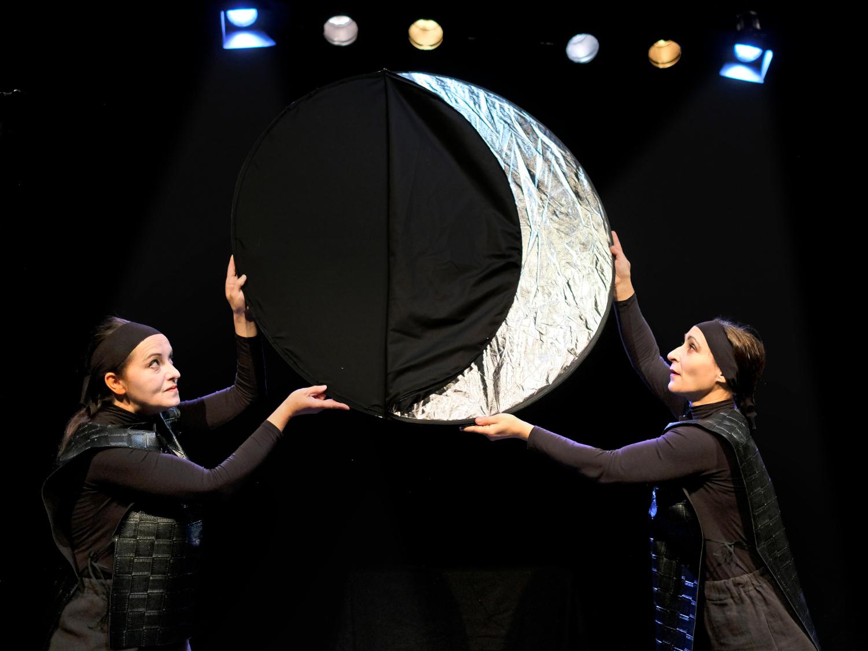 Szenenfoto: Der Mond zu Gast